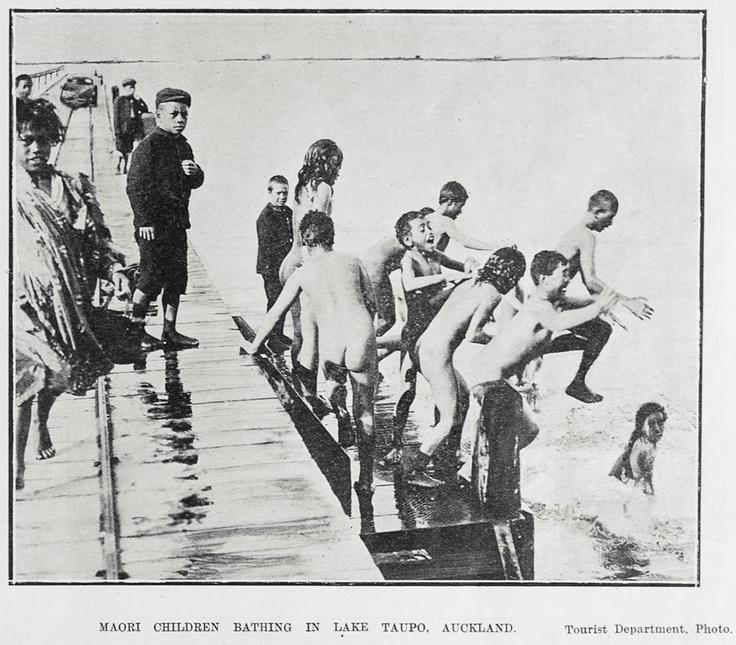 MAORI CHILDREN BATHING IN LAKE TAUPO, AUCKLAND.
