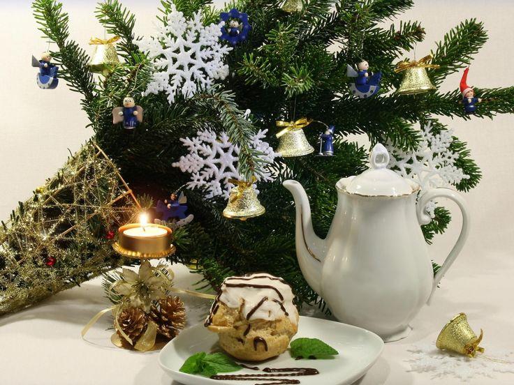Újévi képek, Karácsonyi háttérképek, tűk vektor, csengők fotók, torta, ünnep háttérrel, dobó képeket, hópehely, játékok anyaga