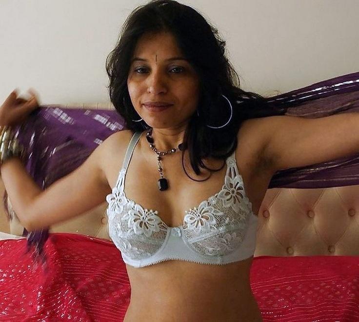 Nude mature women naturist