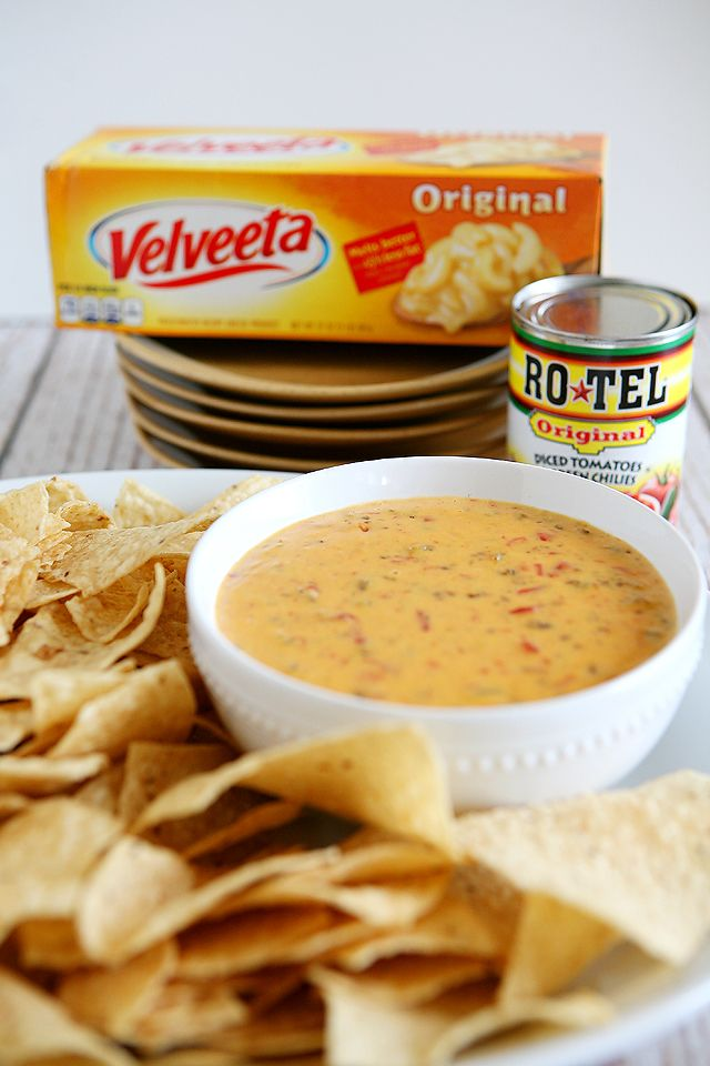 This post brought to you by RO*TEL & VELVEETA . The content and opinions expressed below are that of eighteen25. Our family loves to get together and eat! We especially love to munch on chips & dip. One of our favorites is one Jamie is usually in charge of bringing. Queso dip made with RO*TEL …