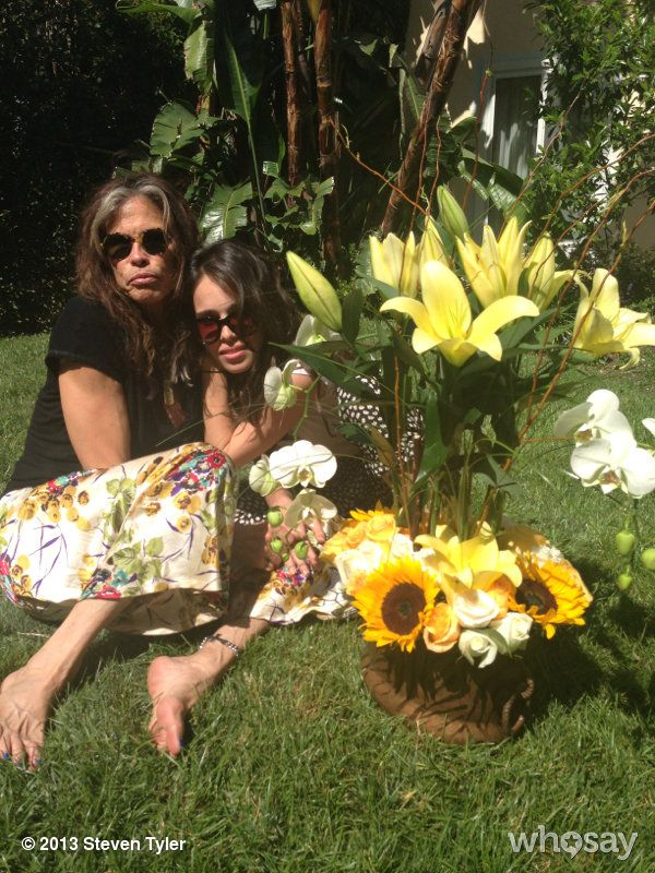 """Steven Tyler's, photo,""""HAPPY FATHERS DAY TO ME! @chelseattyler @Olivia Burgess @Mia Thurlow…"""""""
