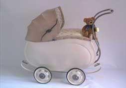 Puppenwagen - Dieser Puppenwagen wurde vom McGillwell-Shop aufgearbeitet