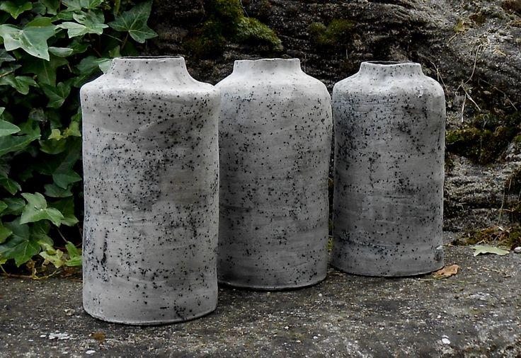 Vasi bottiglia effetto pietra ceramica.