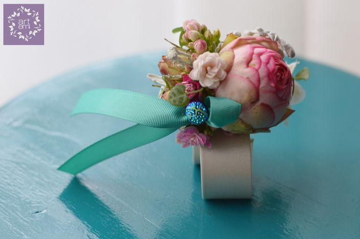 #artemi #florist #floralart #floraldesign #floralartist #weddings #weddingday #slub #wesele #dekoracje #decorations #weddingdecorations #weddinddecor #flowers #flowersdecor #weddingflowers #bride #groom #forbrideandgroom #pastels #mint #turquoise #pink #bransoletka #bracelet #bizuteria #jewelery #jewellery #flowerjewelery #flowersjewellery #forher #weddingdetails #littledecor #bridesmaid