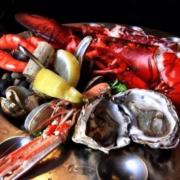 Seafood Plate, Les trois Seaux, Maastricht, Netherlands Photo: Reisefreunde