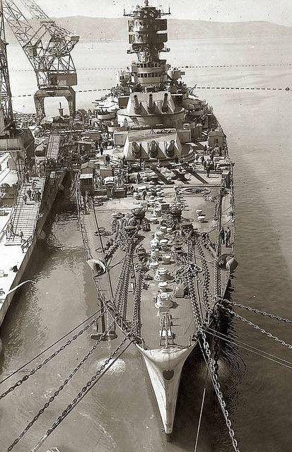 Battleship Roma sunk by the Germans 9 sept 43 alors qu'il se rendait à Malte pour se rendre..