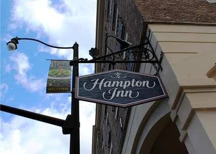 Hampton Inn Savannah-Historic District Hotel, GA - Hotel Exterior