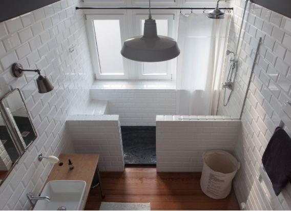 Les 25 meilleures id es concernant lavabos de salle de for Meuble ancien pour salle de bain