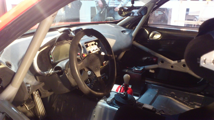 Nissan 370Z GT4 - Cockpit view (1)