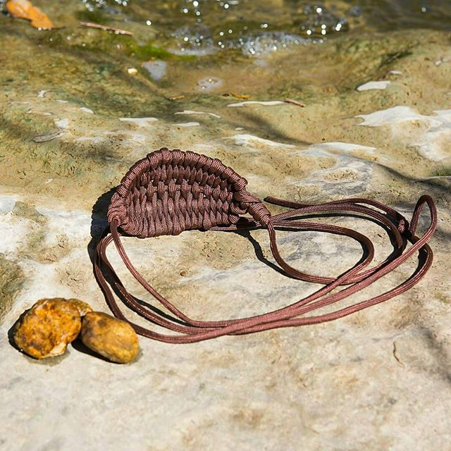 Everyone needs a hunting sling to hunt for foods. This sling has a simple design and a nice color to go along with it.  To own one, go online and visit 👉 https://store.survivallife.com to buy one TODAY!  #natureaddict #bushcrafting #wildernessnation #explore #exploring #adventures