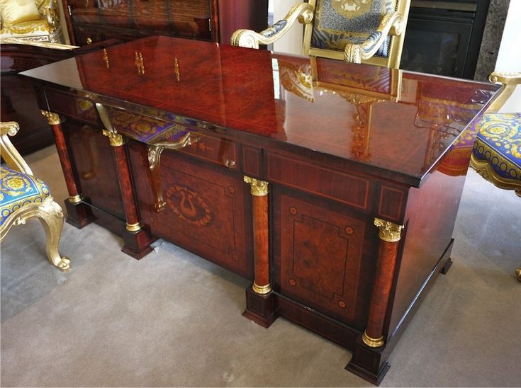 Executive Desk Office Furniture with greek key pattern