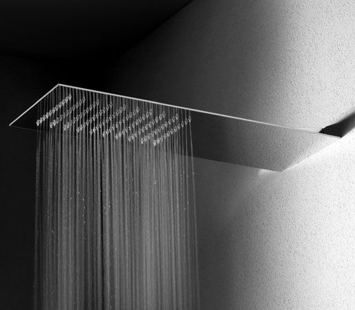 Sleek and slim as a blade, measuring only about a tenth of an inch thin, Gessi con Tremillimetri contemporary shower head