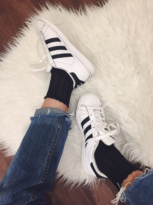 Mein Adidas Originals Superstars Classic schwarz weiß  von Adidas! Größe 36 für 37,00 €. Sieh´s dir an: http://www.kleiderkreisel.de/damenschuhe/turnschuhe/142721500-adidas-originals-superstars-classic-schwarz-weiss.