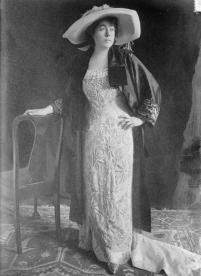 Margaret Brown, along with other Titanic survivors, formed a committee on Carpathia to assist passengers who were less fortunate. She served as the chair of the Survivor's Committee until her death 20 years later. #MollyBrownMondays #Titanic