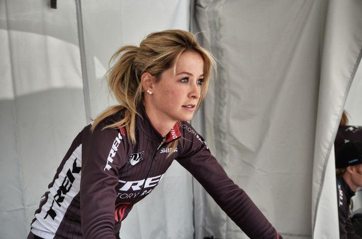 Una de las caras bonitas del mountainbike mundial, Emily Batty, ademas de ser una PRO