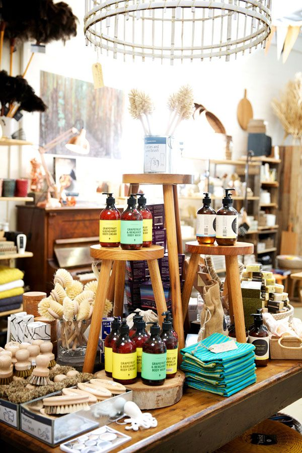 Best 25+ Gift shop interiors ideas on Pinterest | Merchandising ...