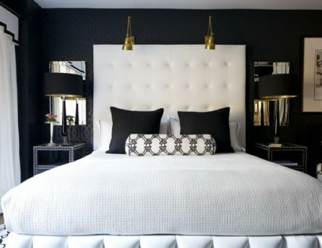 Things That Sparkle: Classic Combo: Bedrooms Design, Black And White, Interiors Design, Black White, White Bedrooms, Master Bedrooms, Black Bedrooms, Dark Wall, Black Wall