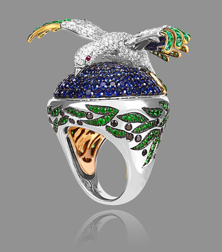 Alessio Boschi ring of diamonds, emeralds, sapphires and rubies. (=)
