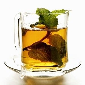 oil found in the peppermint leaf and its stems calms the muscles of the digestive tract, allowing gas to pass more easily and relieving indigestion.  Dr. Hagen says. Steer clear of peppermint tea, though, if your pain is caused by reflux...