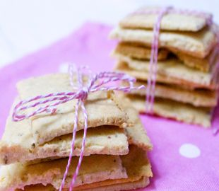 Healthy, almond crackers recipe.