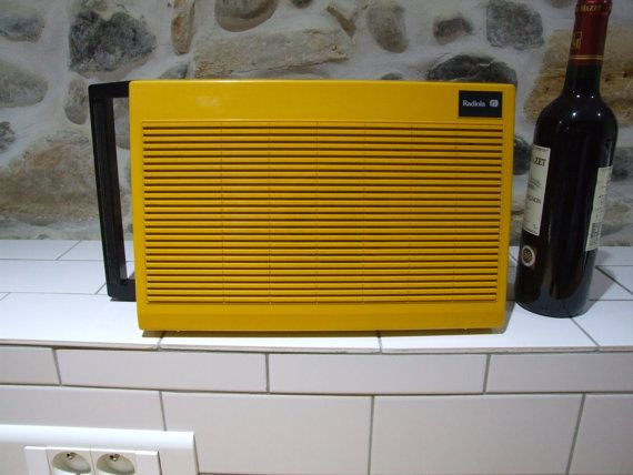 Portable Record Player // Record Player // by VintageRetroOddities