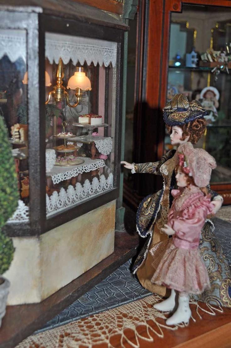 Victorian miniature houses - Lisa Engler Vignette With Miniature Dolls