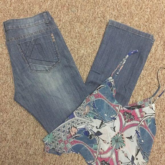 SOLDKardashian Kollection Jeans Authentic Kardashian Kollection- the KIM. Barely used - no rips/stains. Size 10. ❌No trades. Kardashian Kollection Jeans Straight Leg