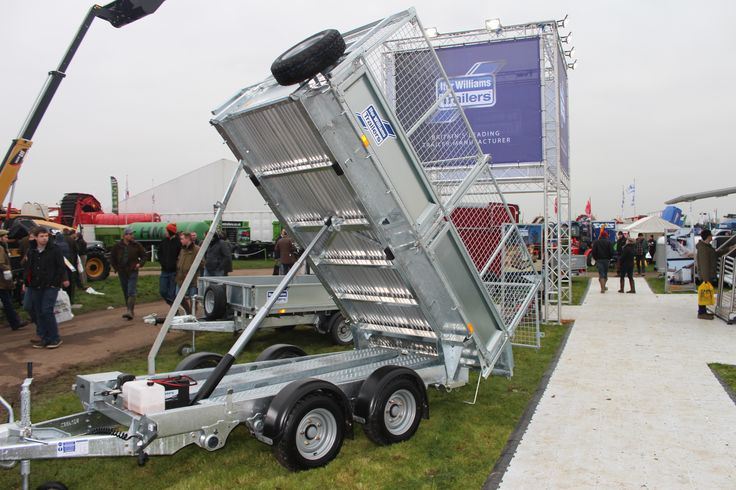www.farmmachinerylocator.co.uk farm-sales wp-content uploads 2016 01 Iifor-Williams-Tipping-Trailer-on-display-at-Lamma-Show-2016.jpg