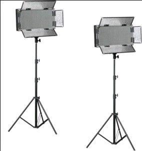 Bresser LED Foto-Video Set 2 x LG-500 30W/4.600LUX  Bresser LED Foto-Video SET 2x LG-500 30W/4.600LUX  2x Statief  De set bestaat uit:  2x LG-500 LED-lamp  2x Statief D-46 tot 240cm  2x 5600K diffuus filter  2x 3200K kunstlicht filter  2x 4 kleppenset  2x Netkabel  Beschrijving: Bresser is een grote speler in de ontwikkeling van hoogwaardige LED lampen voor in de foto en video studio. Doorlopend worden deze nieuwe ontwikkelingen in hun modellen toegepast. De Bresser LED lampen hebben een…