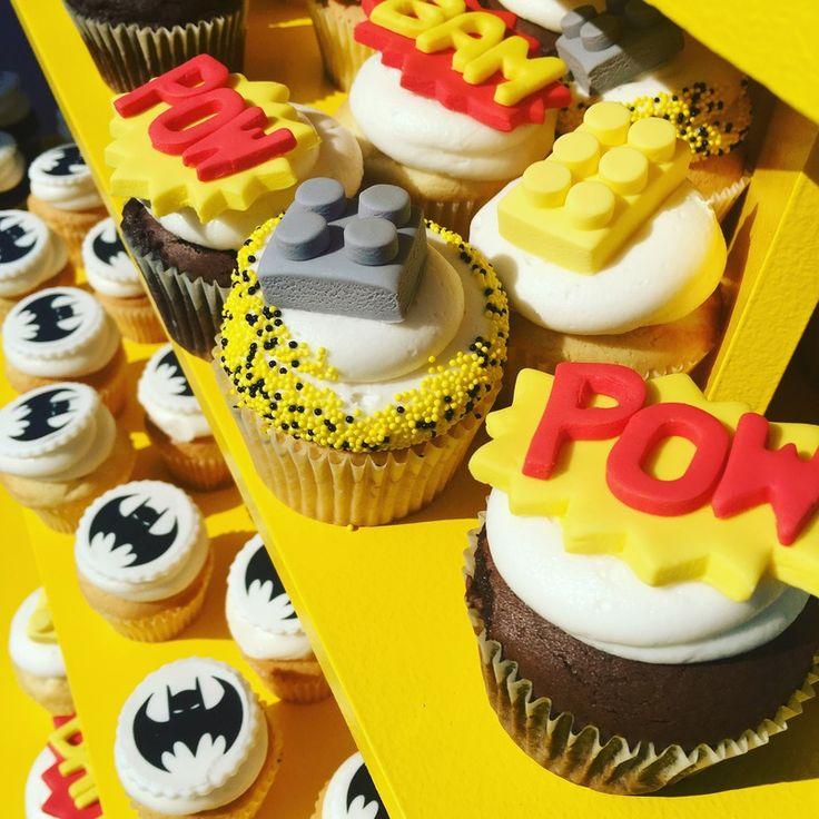 LEGO Batman Movie premiere cupcakes: Fun party idea!  #sponsor