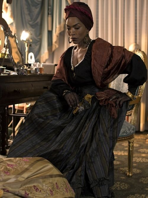 Angela Bassett as Marie Laveau, Voodoo High Priestess. American Horror Story - Coven #ahs