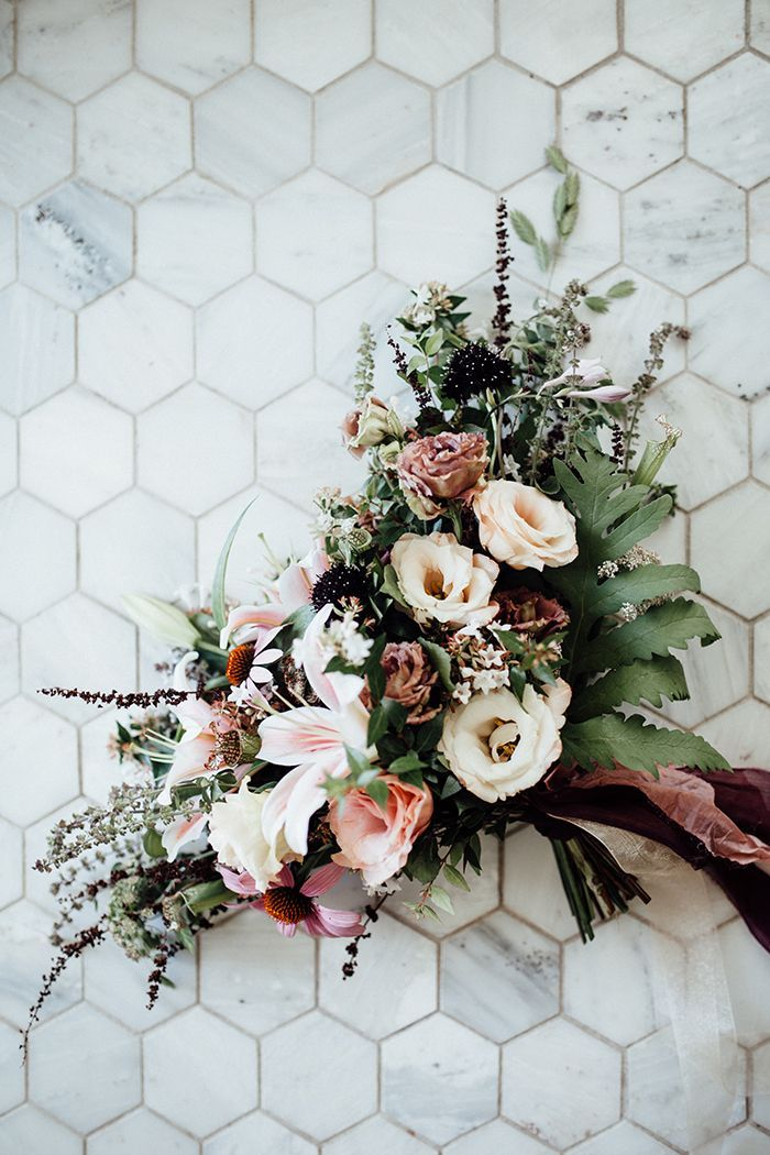 Fall Pastels for a Dreamy Bridal Bouquet | Heather Burris Photography | http://heyweddinglady.com/fall-pastels-metallics-woodland-wedding/