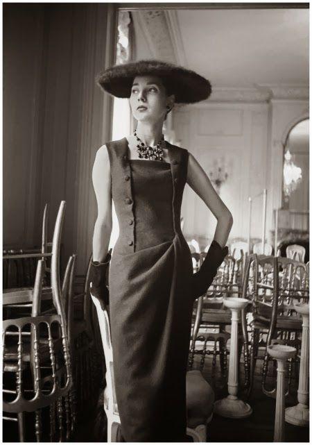 hollyhocksandtulips: Christian Dior, 1955 Photo by Mark Shaw