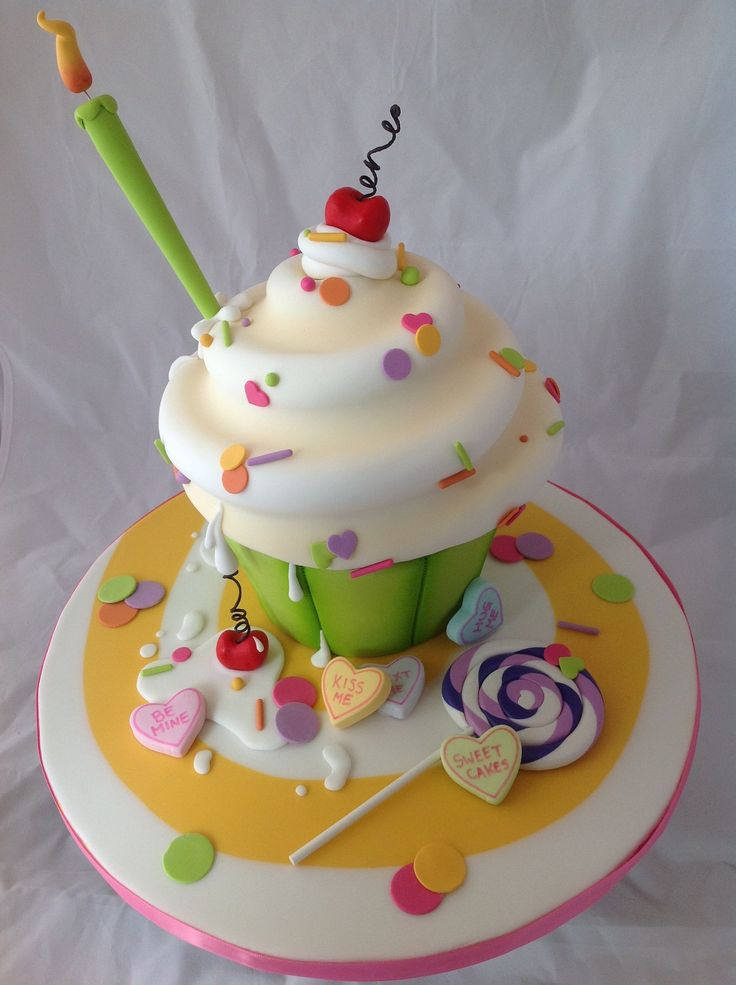 giant birthday cake best 25 cupcakes ideas that you will like on 4490