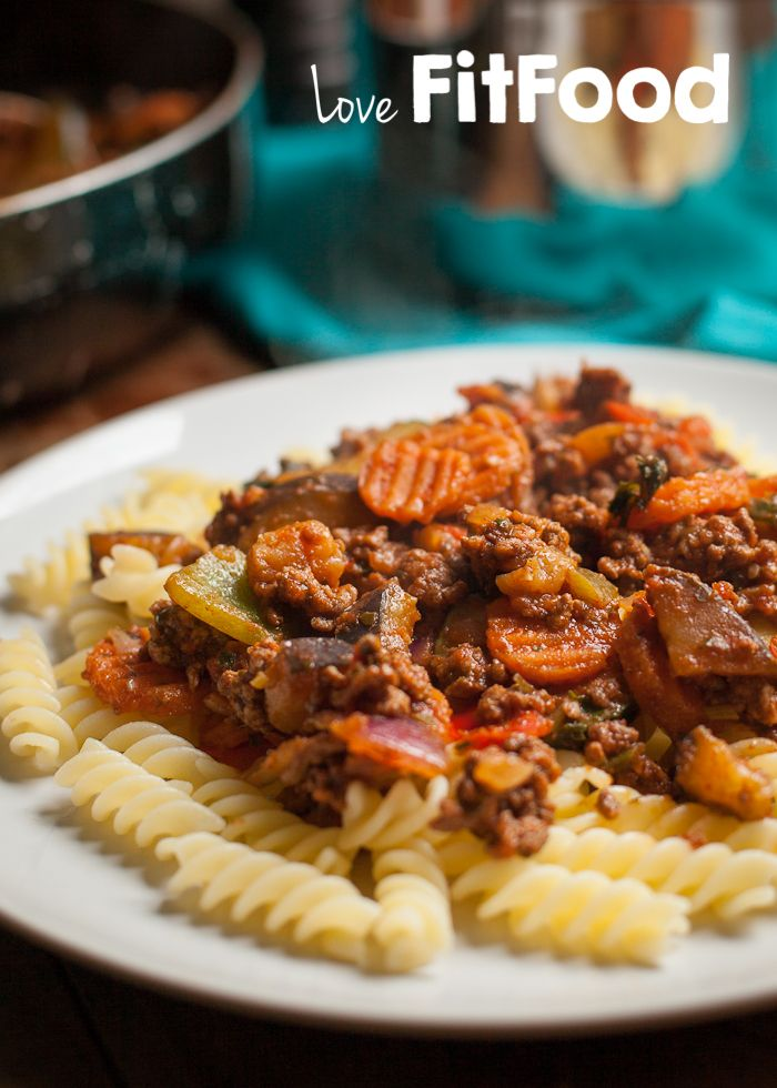 Love, FitFood   Spicy bolognaise met glutenvrije pasta   http://www.lovefitfood.nl