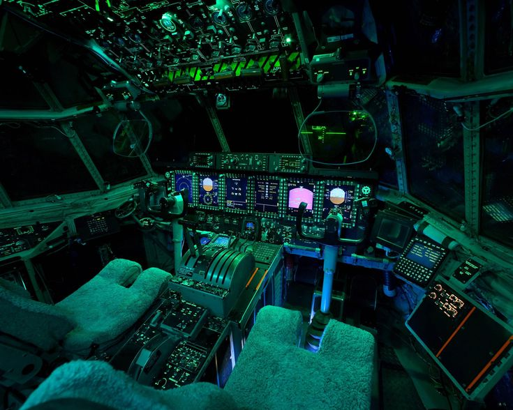 A view from inside the cockpits of various flying machines (22 Photos)
