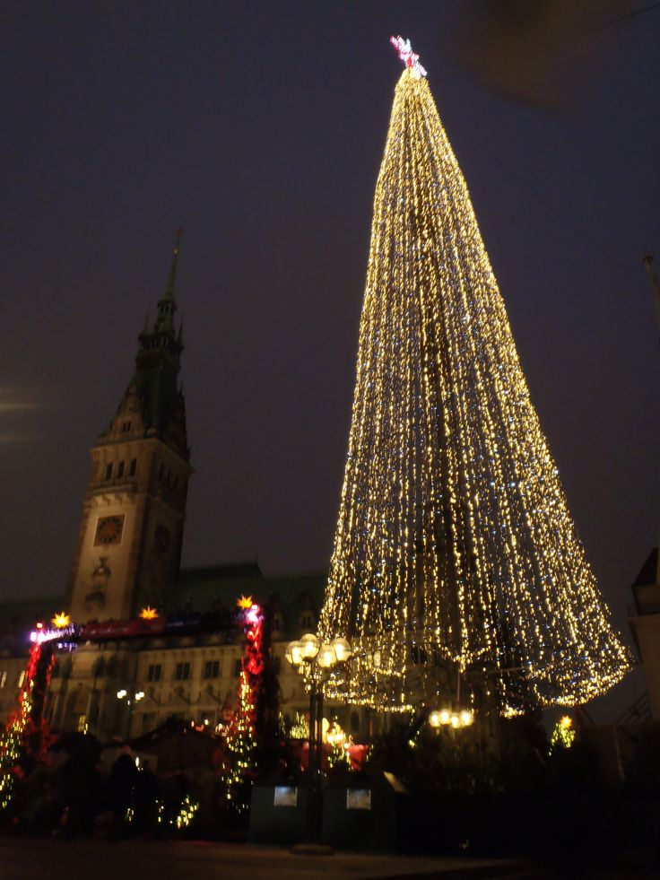 Happy Christmas everyone! (That's Hamburg Christmas market)
