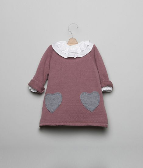 This site isn't in English, but the clothes are ADORALBLE!!