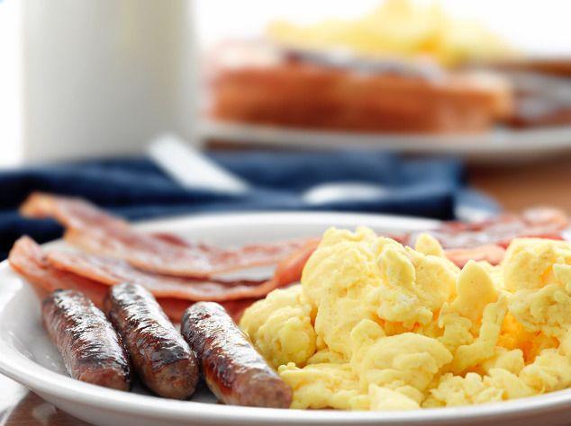Anabole Diät: Erlaubte Lebensmittel während der Diätphase & Refeed-Phase, Exemplarische Ernährungspläne und hilfreiche Ernährungstipps!