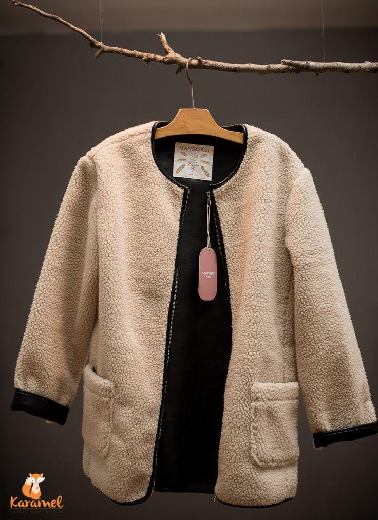 MANGO girls - haine iarna - RO: Exterior blană, interior imitație de piele. O piesă super-trendy! HU: Kivül bunda, belül műbőr. Szuper divatos darab a nagy lányok körében. Size: - 152 (10-12 year) - 1 pc. Price - 120.00 RON