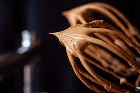 Diese Schoko-Karamell-Creme ist die perfekte Alternative zur klassischen Vanille-Butter-Creme – einfache Füllung für Fondant-Torten oder Naked-Cakes