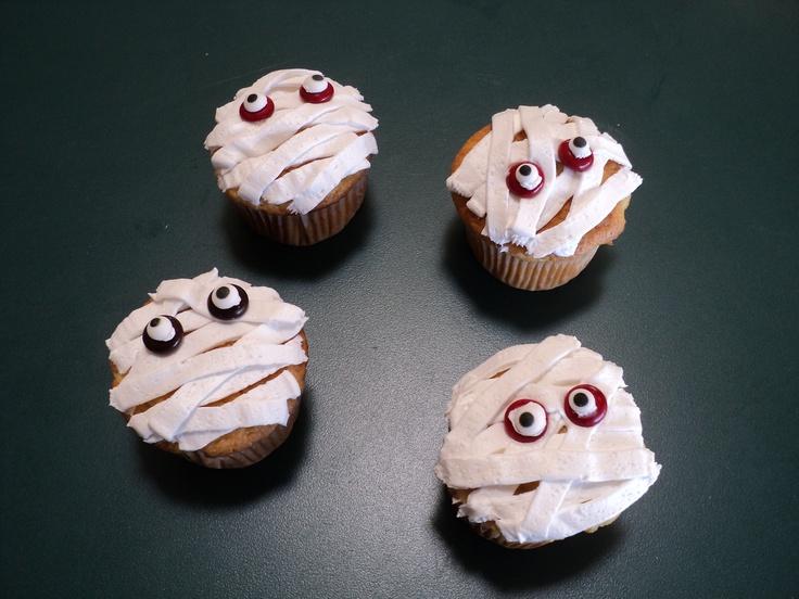 Halloween cupcakes, Halloween and Cupcake on Pinterest