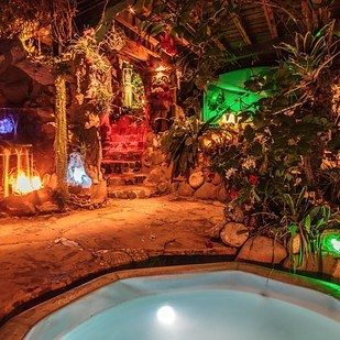 7. Pirates of the Caribbean Getaway, Topanga Canyon, California | People Are Obsessed With These 10 Downright Magical Airbnbs