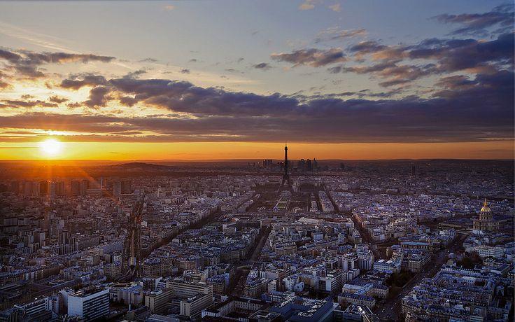 Sun Set on Montparnasse Tour!  Foto di Eric Schaeff