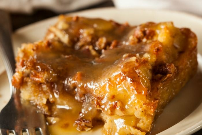 Old Fashioned Bread Pudding With Rum Sauce | Desserts