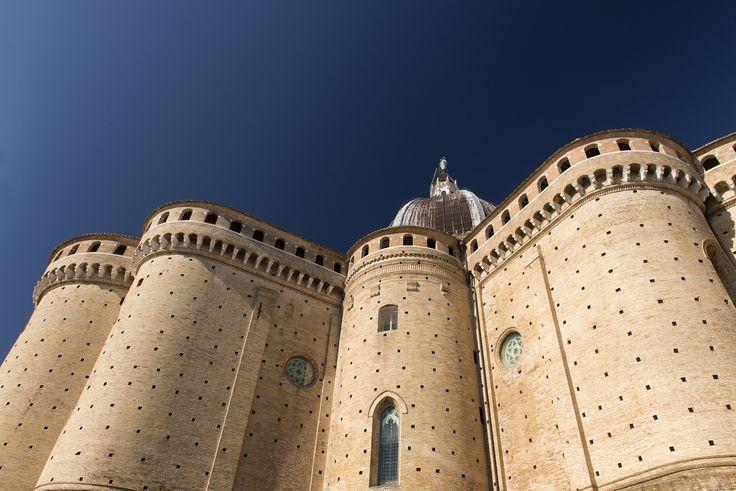 Loreto, dettaglio del Santuario della Santa Casa, 100 km da Ascoli Piceno - Discover the other Italy