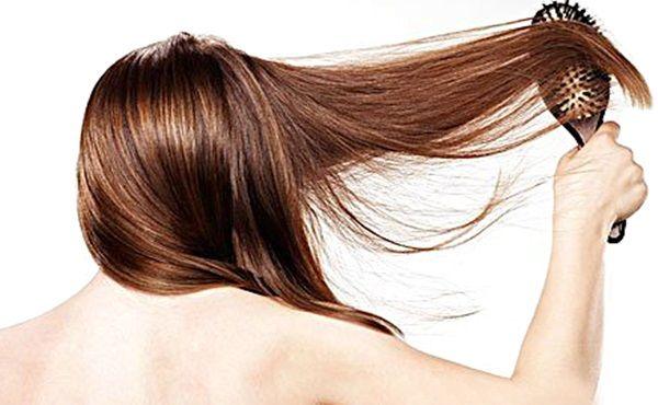 Como Recuperar Cabelos Danificados com Banana  Veja a receita : http://www.aprendizdecabeleireira.com/2014/08/recuperar-cabelos-danificados-com-banana.html