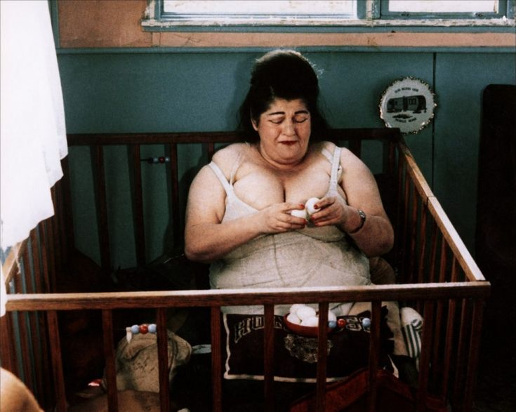 Edith Massey (as Edie, Divine's egg-loving mother) from John Waters' Pink Flamingos, 1972 #EdithMassey #Divine #JohnWaters #PinkFlamingos #EggLady