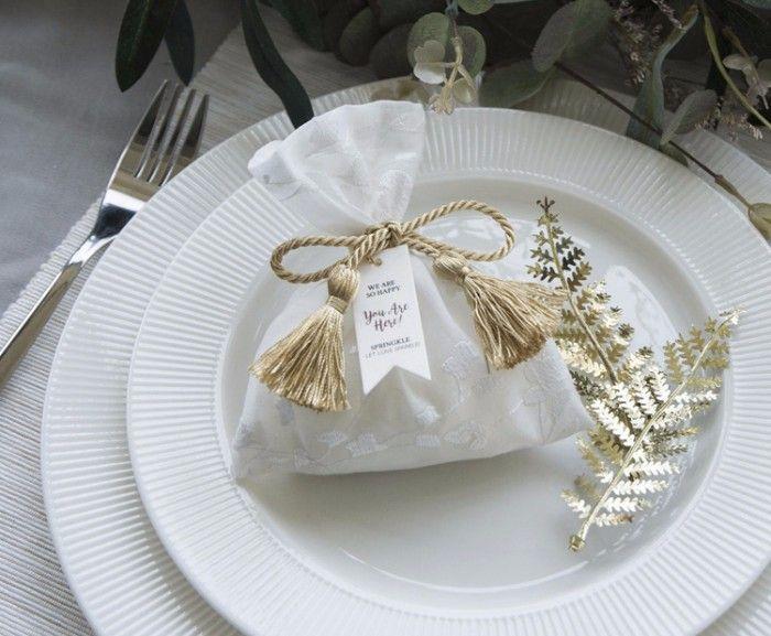 17 Personalised Wedding Favors Packaging Designs From Taobao Hong Kong Wedding Blog Wedding Favors Packaging White Wedding Favors Personalized Wedding Favors
