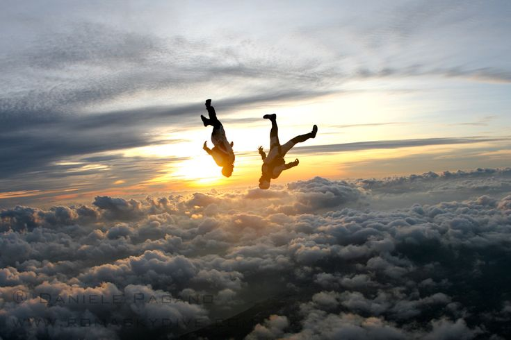 #Skydiving I want to do this so bad!!!